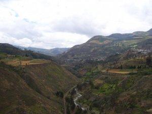 Une rivière dans la vallée