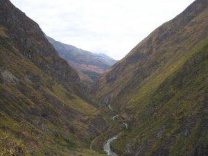 Toujours la rivière dans la vallée
