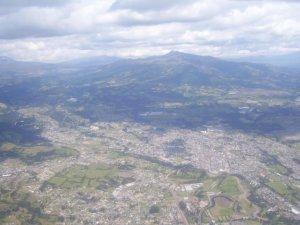 Enfin, voici Quito vue des airs!