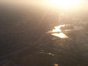 Voici la ville de Miami.. Il y a plein de bassin d'eau artificiel dans la ville, c'est plutôt laid